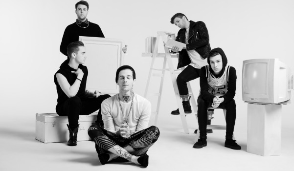 08_The_Neighbourhood_Group_118